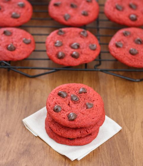 chewy-red-velvet-cookies-6